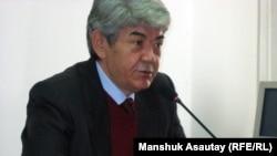 Самовыдвиженец Мэлс Елеусизов, лидер экологического общества «Табигат».