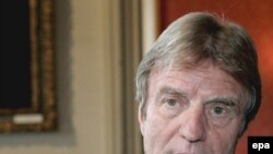 برنار کوشنر، وزير امور خارجه فرانسه، خواهان مداخله شورای امنیت شده است