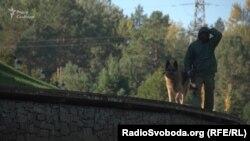 Огорожа й охорона біля «маєтку Злочевського»