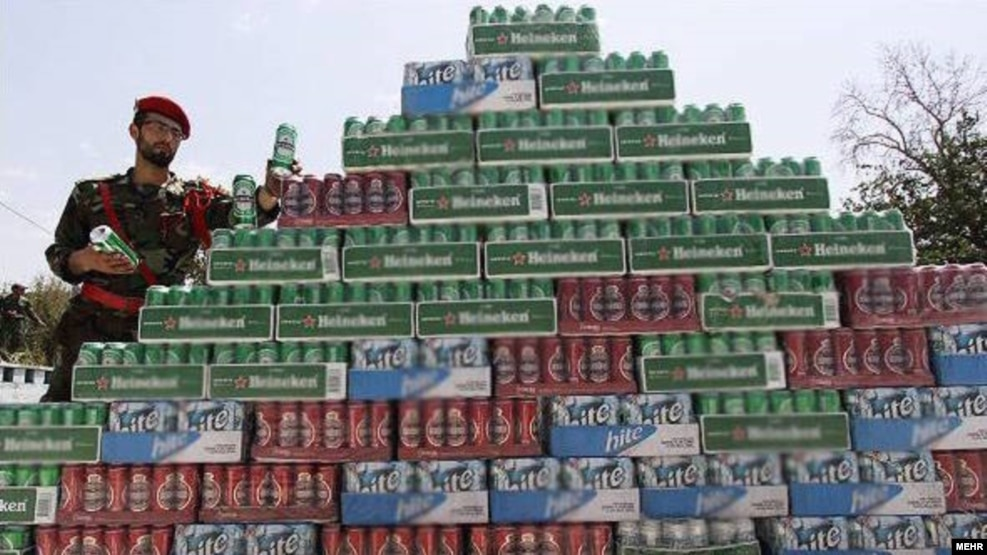 ممنوعیت مشروبات الکلی در ایران چون به دنبال حذف این پدیده بوده به مدیریت و کنترل اجتماعی بر این پدیده خسارت زده است. انگارهی بومی در اینجا حذف یک واقعیت بوده و مدیریت آن را مخدوش کرده است.