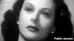 "Hedy Lamarr ""Zaýalanan zenan"" atly kinofilminden bir pursat (1947)"