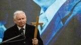 Jaroslaw Kaczynski, la o aniversare a prăbușirii avionului prezidențial...