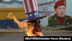 Каракас: кукла, изображающая Барака Обаму