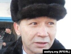Жұмабай Арыстанов, 17 жылға бас бостандығынан айырылған Есет Мақуовтың адвокаты . Ақтөбе, 14 желтоқсан 2011 жыл.