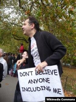 Участник дискуссии в Уголке ораторов в лондонском Гайд-парке