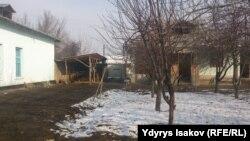 Кашкар-Кыштактын бала бакчасынын жерине салынган үй. 3-февраль, 2016-жыл
