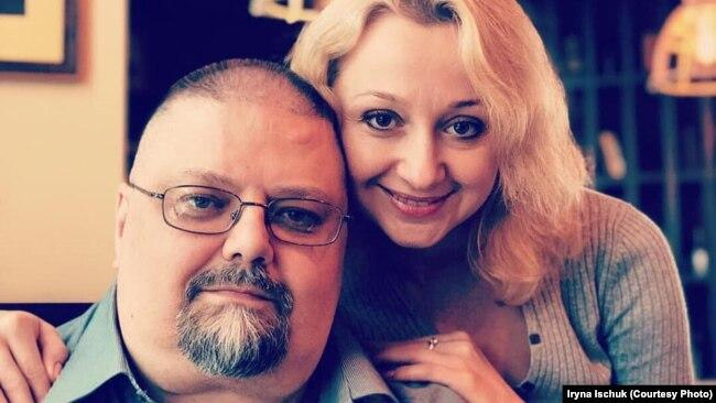 Рівненська медсестра Ірина Іщук разом із чоловіком Олександром, який нещодавно помер в обласній лікарні