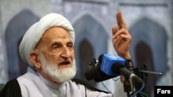 Ayatollah Abolghassem Khazali has renounced contact with his son.