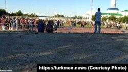Власти Туркменистана готовятся ко Дню независимости. По всей стране проходят репетиции.