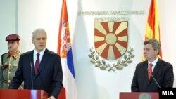 Претседателот Иванов и поранешниот српски претседател Борис Тадиќ, 16 декември, 2011.