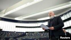 Франс Тимерманс представя пред Европейския парламент Европейския механизъм за справедливост