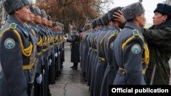 Ղրղըզական բանակի զինվորներ, արխիվ