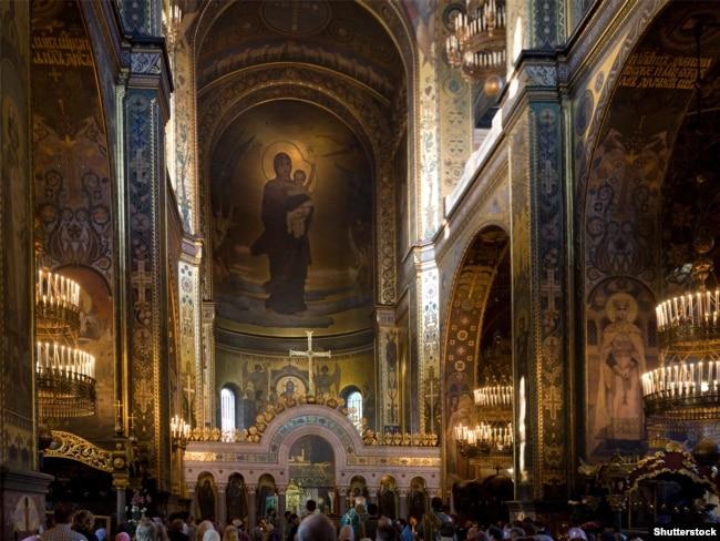 Інтер'єр Патріаршого кафедрального собору святого Володимира УПЦ Київського патріархату
