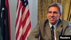 لیبیا: په طرابلس کې د امریکا سفیر کریس سټیونز چې پر سفارت په برید کې د بلوه ګرو لخوا ووژل شو.
