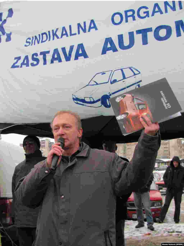 Na skupu je govorio Zoran Mihajilovic, predstavnik sindikata radnika. Foto: Branko Vučković