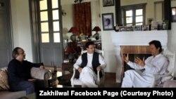 حضرت عمرزاخیلوال سفیر افغانستان درپاکستان که با عمران خان دیدار کرده بود