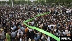 صحنهای از تظاهرات میلیونی و مسالمتآمیز ۲۵ خرداد ۸۸