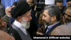 محیالدین کبیری، رهبر حزب ممنوعه نهضت اسلامی تاجیکستان در حاشیه همایش وحدت اسلامی در تهران با رهبر ایران دیدار و گفتوگو کرد