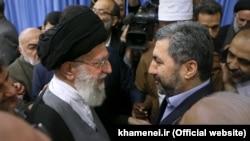 Муҳиддин Кабирӣ бо Оятуллоҳ Алии Хоманаӣ