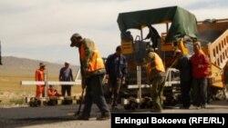 Работы по строительству дороги Нарын-Торугарт