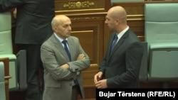Kryeministri i Kosovës, Isa Mustafa dhe përfaqësuesi i Listës Serbe, Sllavko Simiq