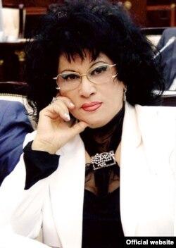 Zeynəb Xanlarova