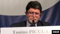 Тонино Пикула