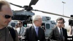 بحران لبنان در ماه ژوئیه موجب شد تا فلیپ دوست بلازی، وزیر امور خارجه فرانسه سریعا به بیروت برود.