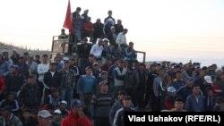 Учасники протесту в Киргизстані