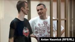 Александр Кольченко и Олег Сенцов в ростовском суде