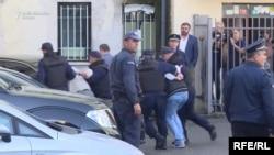 Priđenje osumnjičenih za pokupaj terorističkog napada 16. oktobra 2016., arhivski snimak