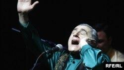 Azerbaijan – Alim Gasimov at concert, Baku, 09Apr2010