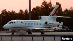 Austri - Aeroplani i presidentit të Bolivisë Evo Morales, i cili u detyrua të aterojë në aeroportin e Vjenës,