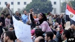 مخالفان حسنی مبارک در میدان تحریر قاهره