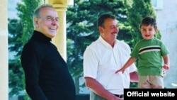 Keçmiş prezident Heydər Əliyev oğlu İlham və nəvəsi Heydərlə