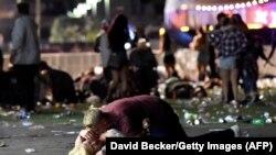После выстрелов на музыкальном фестивале в Лас-Вегасе (Невада). 1 октября 2017 года.