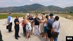 Груевски во посета на индустриска зона крај Охрид.