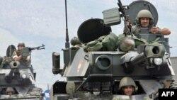 سربازان لبنانی طی عملیاتی در مرزهای این کشور