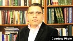 Улуғбек Бакиров 2005 йил Андижон воқеасидан сўнг Ўзбекистонни тарк этишга мажбур бўлган журналист ва ҳуқуқ фаолидир.