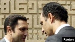 Алаа (л) і Ґамаль (п) Мубараки, архівне фото