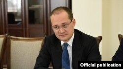 Глава Агентства информации и массовых коммуникаций Комил Алламжонов.