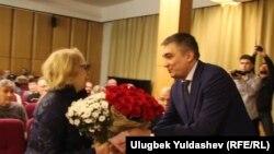 Ш.Аббосов хотира кечасида илк бор элчи Ботиржон Асадов иштирок этди