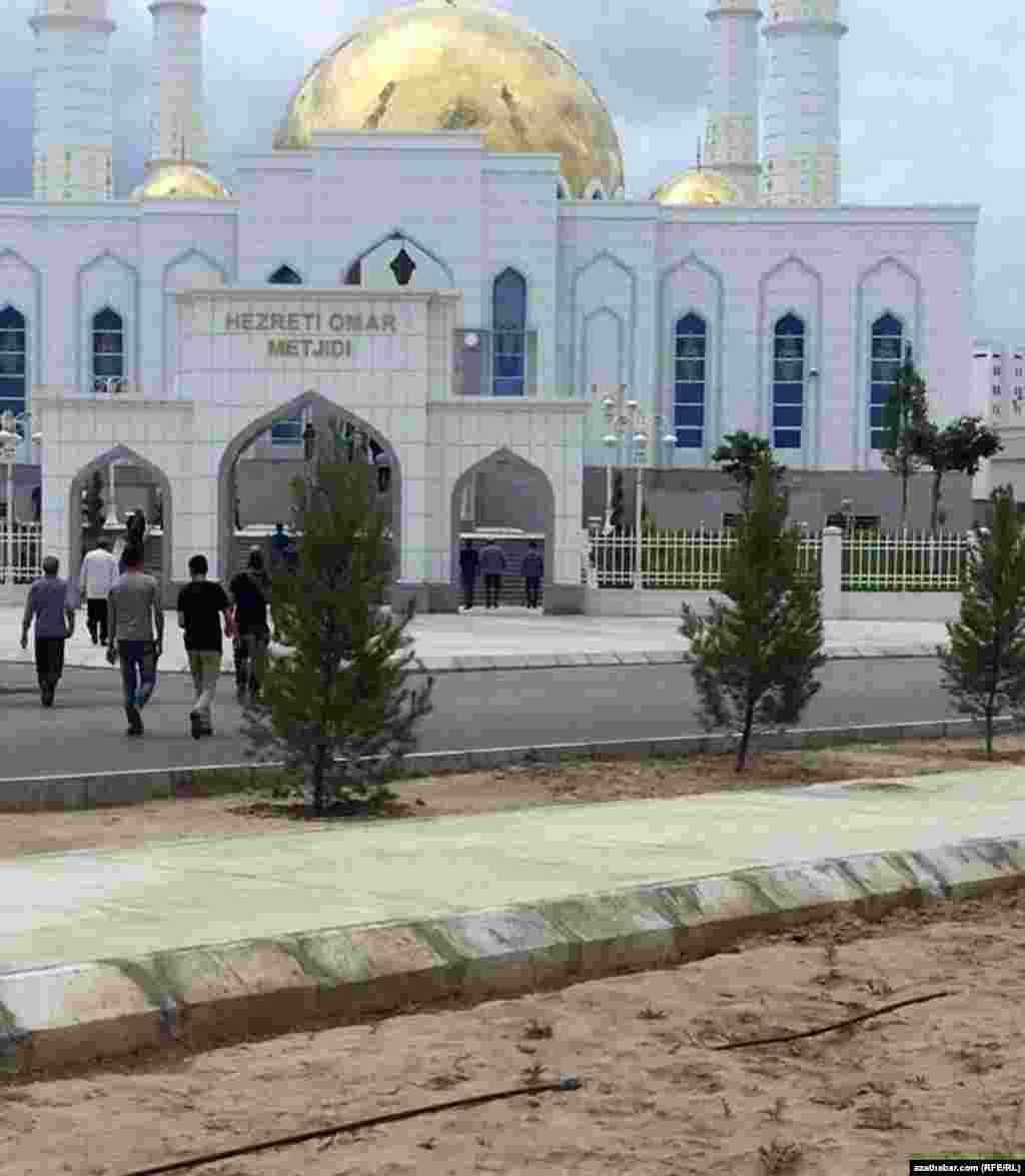 Мечеть Хезрети Омар в микрорайоне Мир-7, Ашхабад