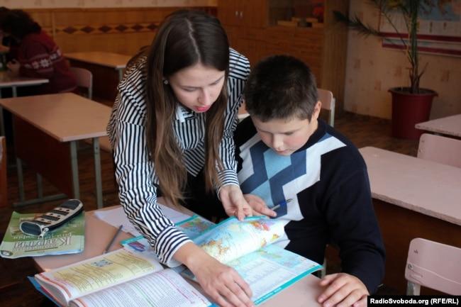 «Завоювати повагу учнів можна тоді, коли вчитель із учнями на одному рівні»