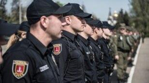 На Куликовому полі в Одесі підрозділи поліції та Національної гвардії провели підготовку до охорони правопорядку під час травневих свят