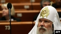 В вопросах целостности Грузинской православной церкви руководству Московского патриархата хотелось бы быть вне политики