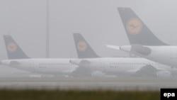 Prizemljeni avioni Lufthanze