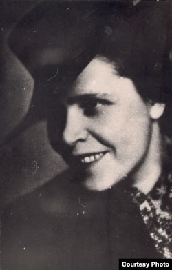Ларыса Геніюш. 1937 г. З фондаў БДАМЛМ