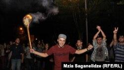 Участники акции протеста против пыток заключенных. Тбилиси, 19 сентября 2012