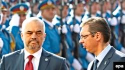 Еди Рама, Александар Вучиќ